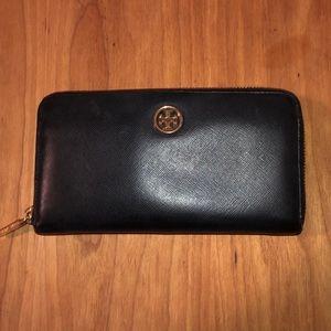 Tory Burch Black Robinson Wallet